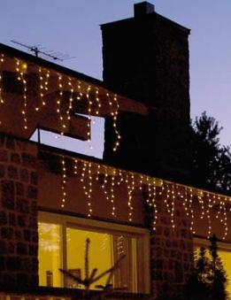 weihnachtsbeleuchtung au enbeleuchtung eisregen lichtervorhang bei. Black Bedroom Furniture Sets. Home Design Ideas